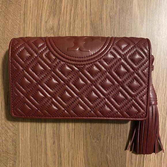 Tory Burch Handbags - Tory Burch Fleming Crossbody Wallet (WOC)